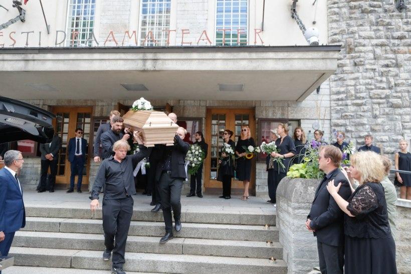 Hüvasti, Sass! Aleksander Eelmaa saadeti viimsele teele koduteatri suurelt lavalt