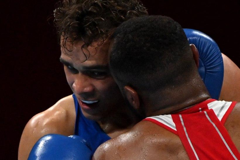 Uus Mike Tyson? Vastase kõrvaga maiustada proovinud Maroko poksija diskvalifitseeriti