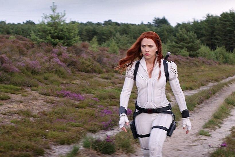 """LIIGA VÄHE RAHA! Scarlett Johansson kaebas Disney kohtusse, sest ei saanud """"Musta Lese"""" eest piisavalt palka"""