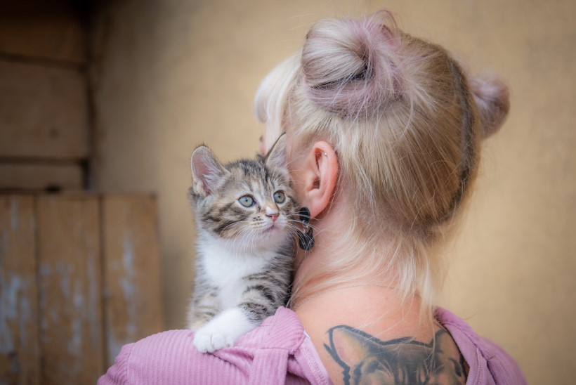 Ligi 50 kassile kodu pakkunud Evelyn: olen neile ka raamatuid ette lugenud