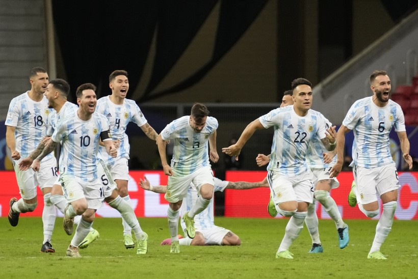 VIDEO | Verine Messi ja väravavahi ulmeline penaltiseeria kindlustasid Argentina-Brasiilia finaali