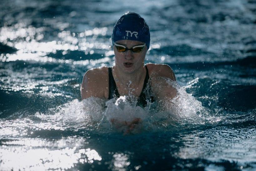 Olümpiaks valmistuv ujumistalent Jefimova võitis juunioride EMil teise medali