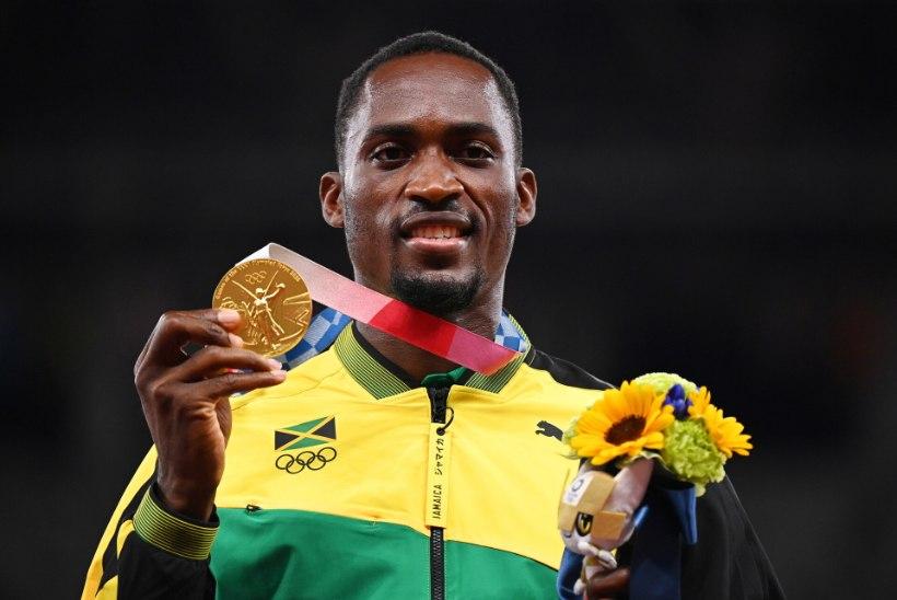 LIIGUTAV LUGU: Jamaica tõkkejooksja jäänuks olümpiakullata, kui Jaapani vabatahtlik poleks talle taksoraha andnud