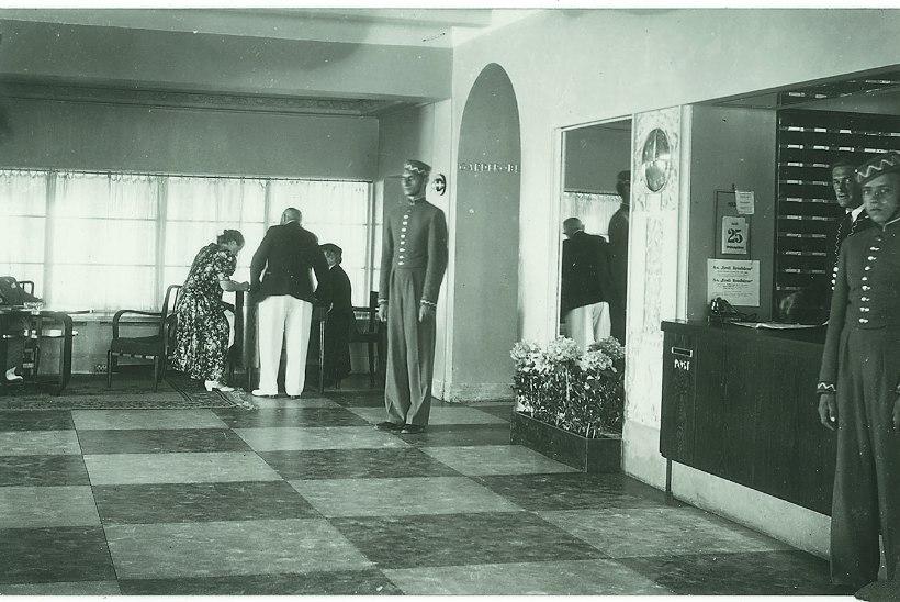 VOODIKRIIS SUVEPEALINNAS: supelsakste majutamiseks läksid 1930ndate Pärnus käiku isegi koolimajad