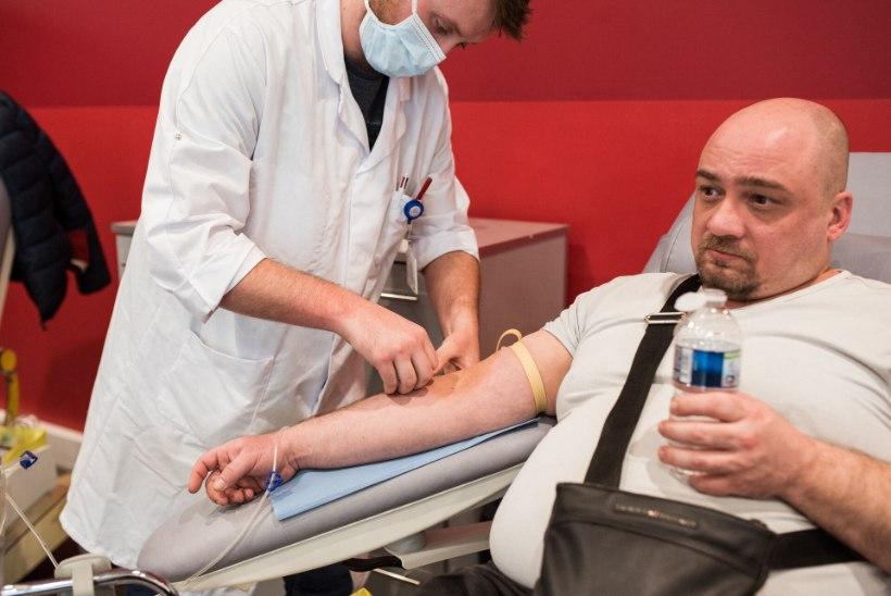 VAKTSIINIVASTASTE PÖÖRANE NÕUE: vereülekandeks kõlbab ainult vaktsineerimata doonori veri!