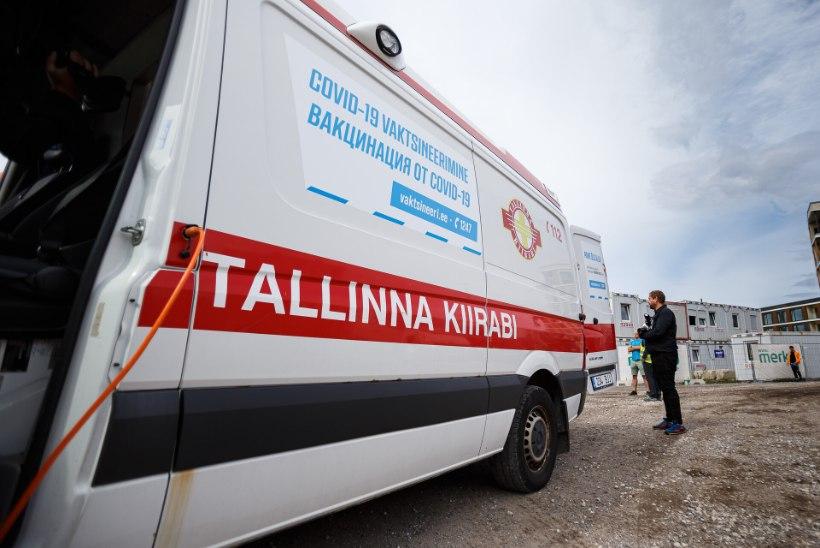 GALERII | UUS ALGATUS: Tallinnas saab nüüd kutsuda vaktsiinikiirabi! Regionaalhaiglas saab kaitsepookida ka elavas järjekorras