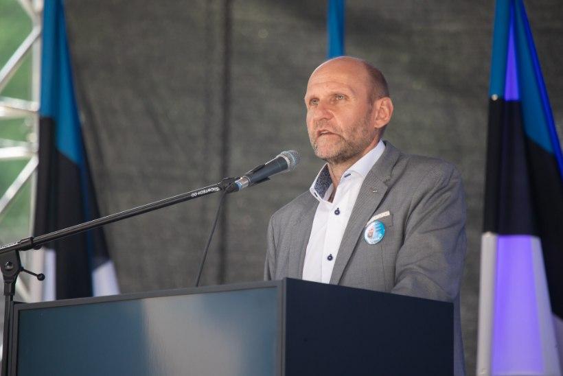 Isamaa erakonna juht Helir-Valdor Seeder on koroonaviiruse tõttu haiglas