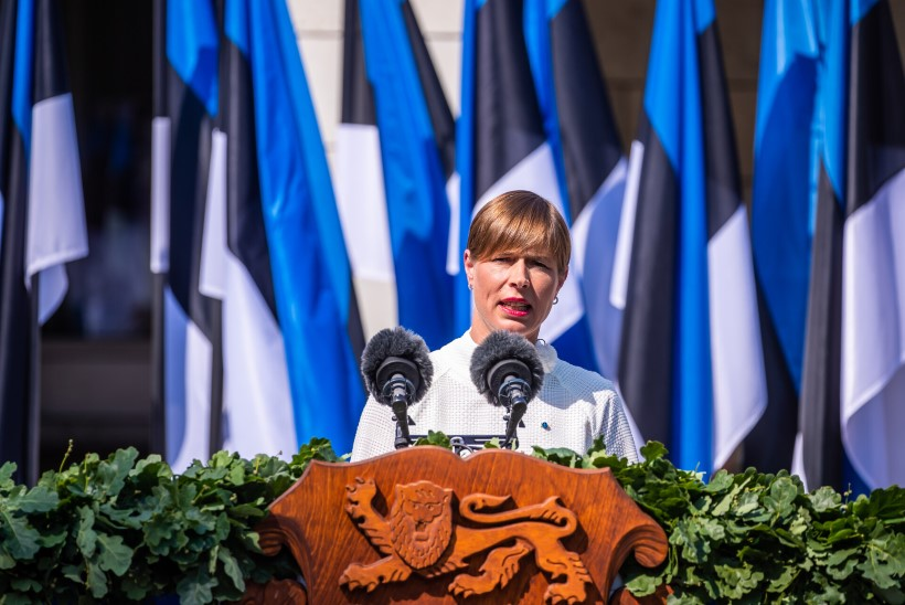 Rahvaalgatus Kersti Kaljulaidi presidendina jätkamise toetuseks on kogunud üle 15 000 allkirja. Toetust kogub ka vastualgatus