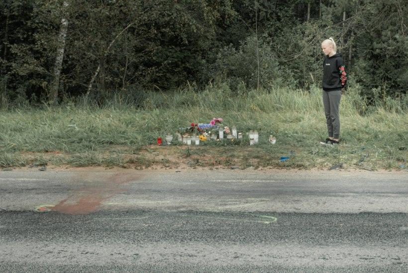 """Traagilises liiklusõnnetuses hukkus kaks kooliõpilasest armunut. Endine klassijuhataja: """"Ta oli mulle nagu pojakene..."""""""