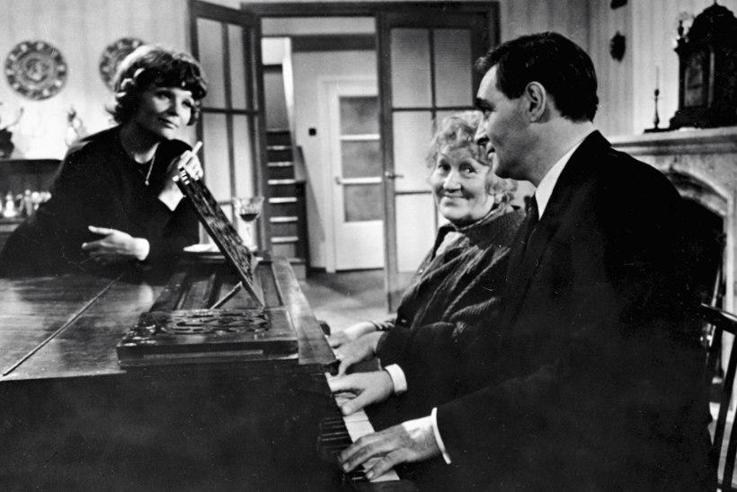 """Stirlitzile ei suutnud ükski naine ära öelda! Täna 48 aastat tagasi jõudis teleekraanidele seriaal """"Seitseteist kevadist hetke"""""""