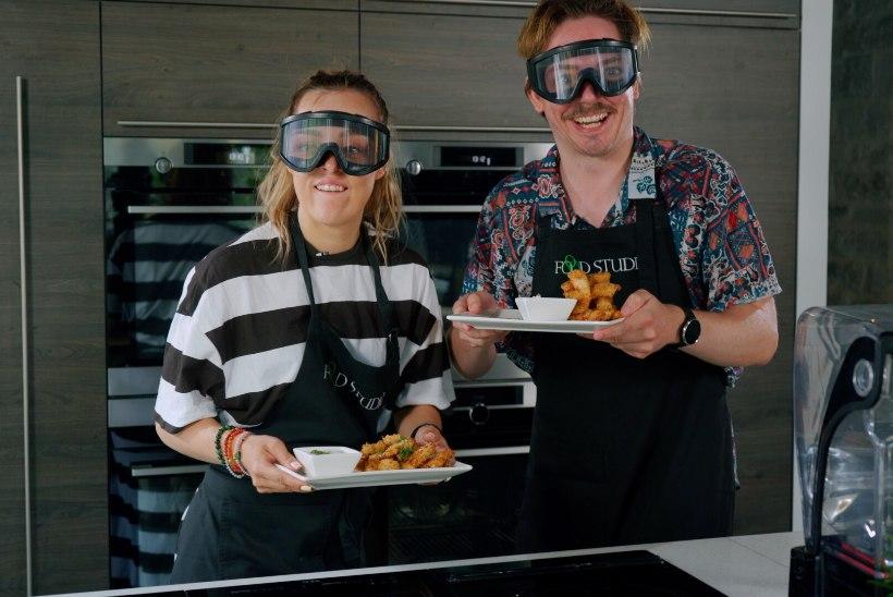 HOOGNE VIDEO   Vaata, kuidas saavad Kristel Aaslaid ja Mattias Naan hakkama kanaribade valmistamisega!
