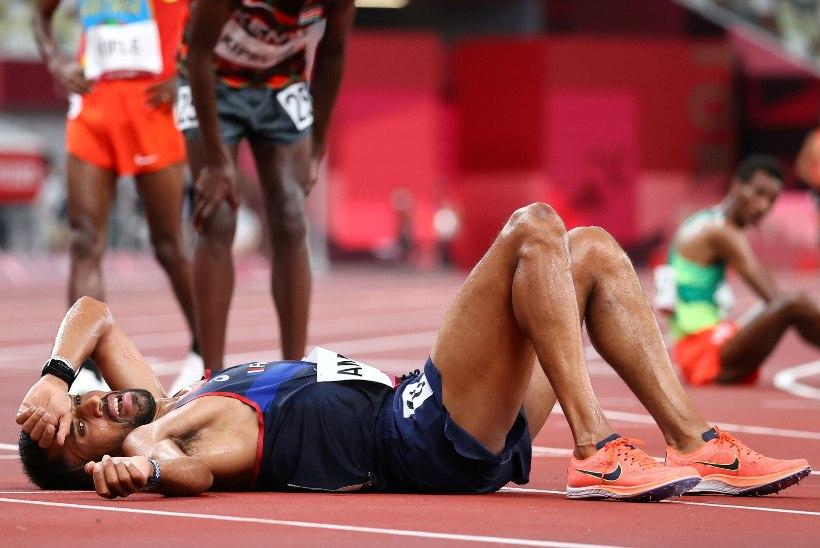 KARMA? Konkurentide nina alt veepudelid minema löönud prantslane jäi maratonis medalita