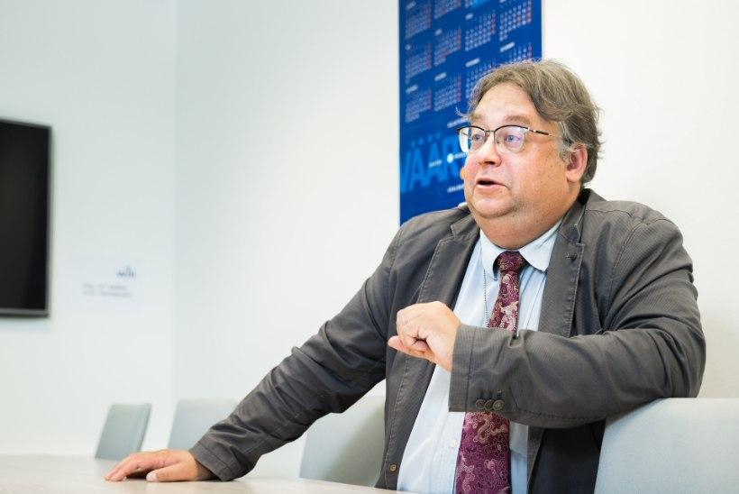 LAHKUMISKINGITUS MINEMA LÖÖDUD KANTSLERILE: uuele soojale kohale maandunud Mart Laidmets sai ministeeriumist kaasa vägeva preemia