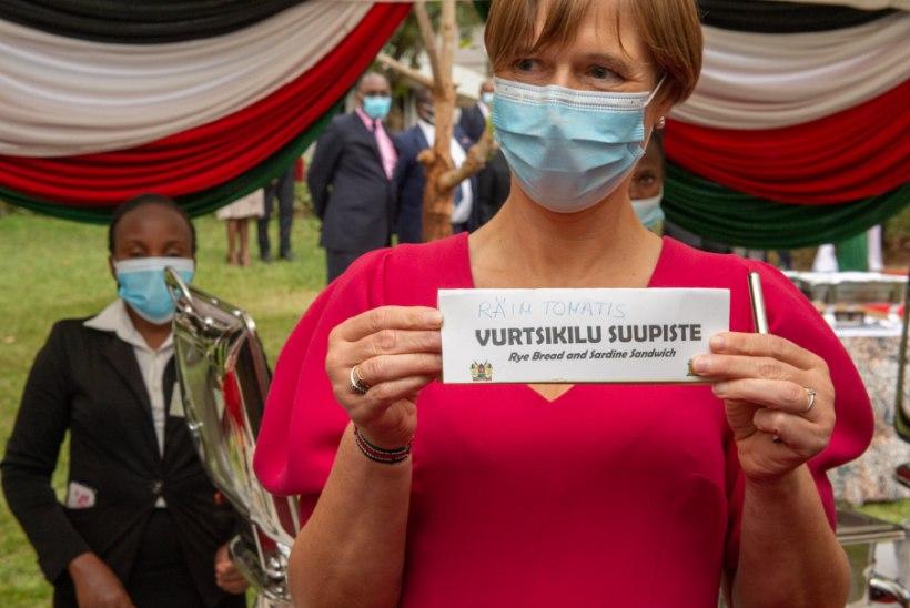 SÜDANTSOOJENDAV EKSITUS! Kersti Kaljulaidile pakuti Keenia visiidil Eesti rahvuskala pähe vale rooga (pildid!)