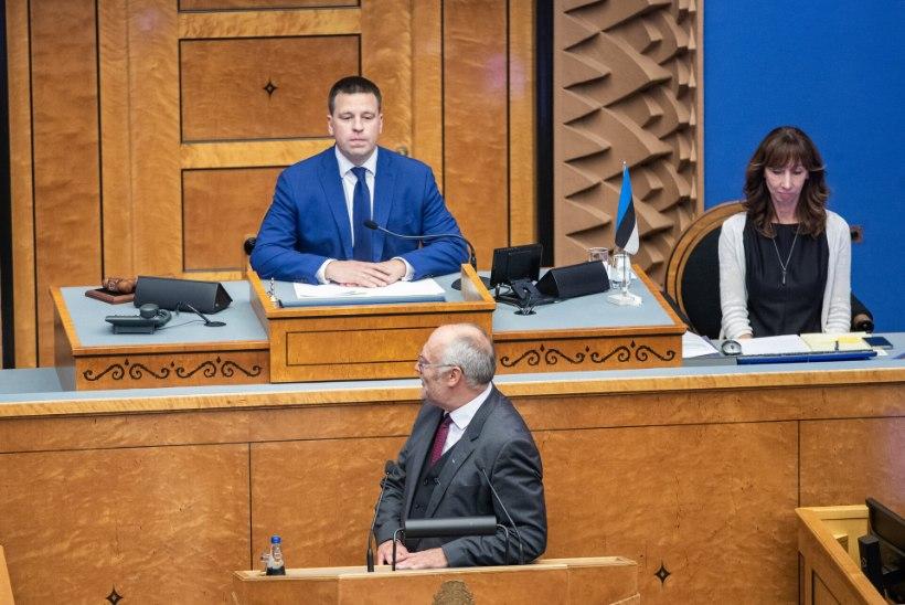 Tarmu Tammerk | Avatult presidendiks: presidendi külge kinnitatud mikrofonist