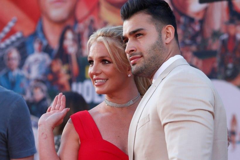 Värskelt kihlatud Britney Spears sulges ootamatult oma Instagrami konto
