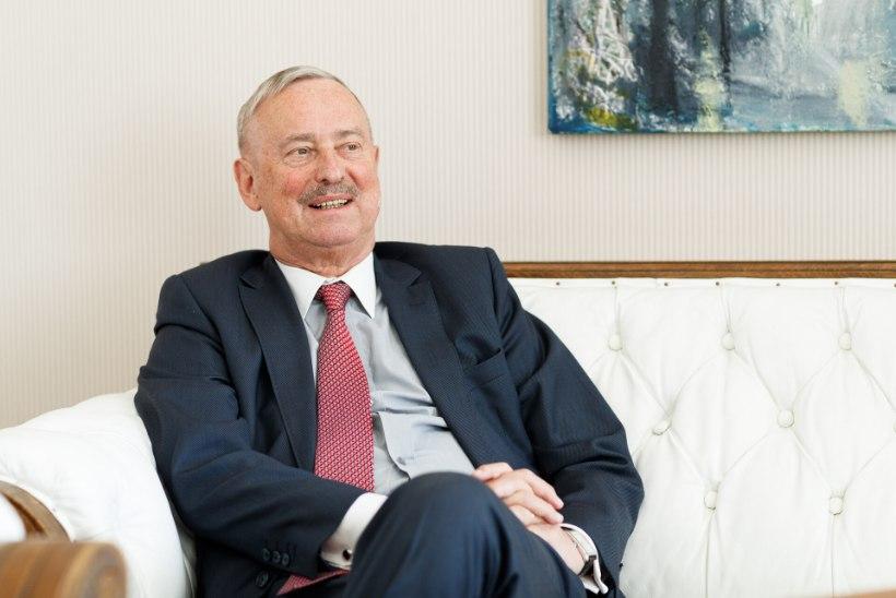 Siim Kallas lubati haiglast koju taastuma