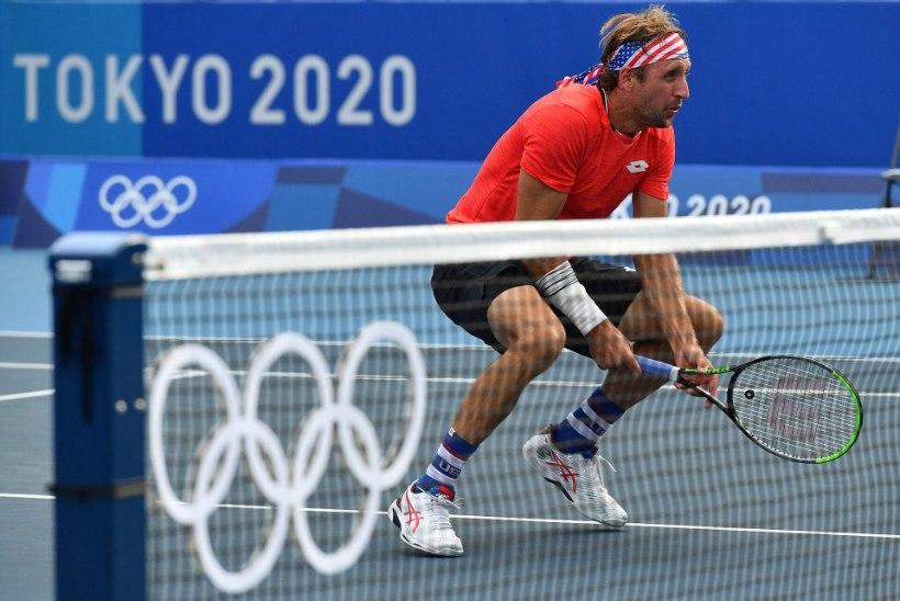 Palliga kubemesse saanud tennisist sai disklahvi