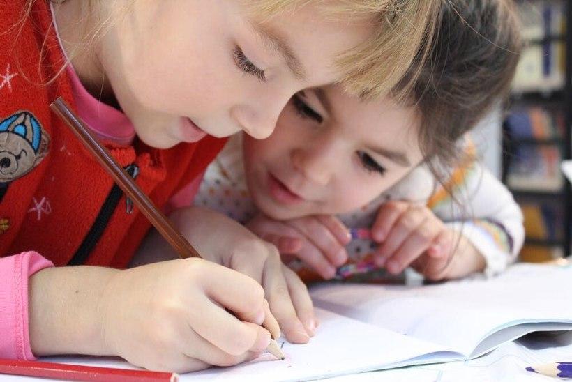 Kooliõde paneb südamele: esimese klassi lapsed vajavad kooliga harjumisel aega ja toetust