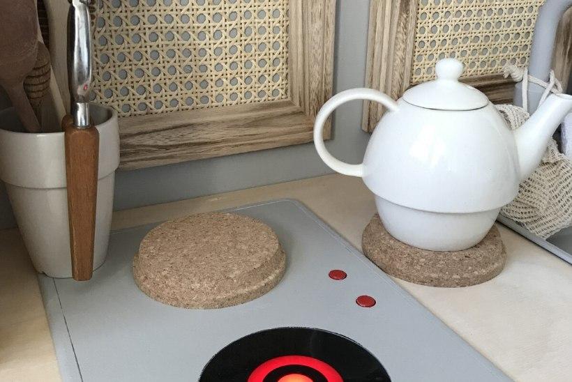 NUNNUMEETER LAES: vaata, kuidas tuunida tavaline Ikea mänguköök väikese peakoka unistuseks