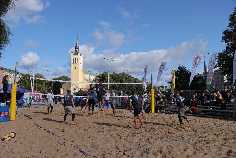 FOTOD   Kossuässad tegid rannavolles jalkameestele säru. Vene: kindel võit, vastast polnud