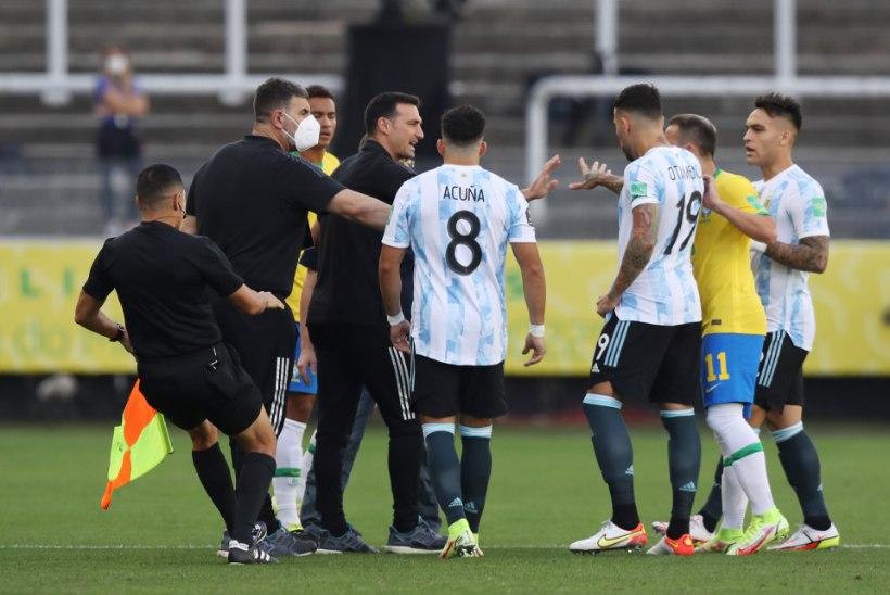 KUIDAS PALUN?!?!?! Brasiilia koroonapolitsei proovis keset MM-valikmängu Argentiina vutitähti arreteerida