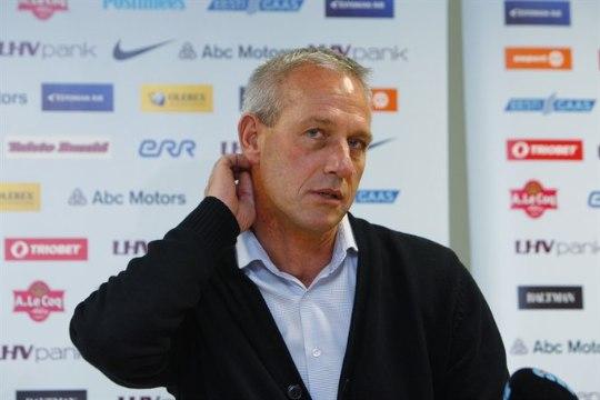 Bernhardt tagandati U19 koondise peatreeneri kohalt, Pijpers võtab üle