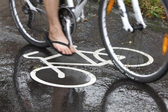 Mõistlik või ei? Ratturid plaanivad tipptunnil vallutada Tallinna teed ja tänavad