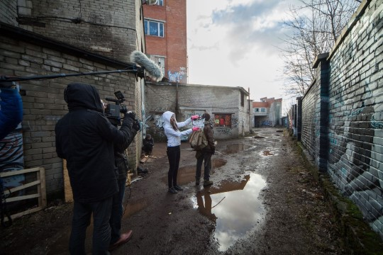 Noor filmimees oleks Eestist pääsemiseks nõus isegi fiktiivabieluks