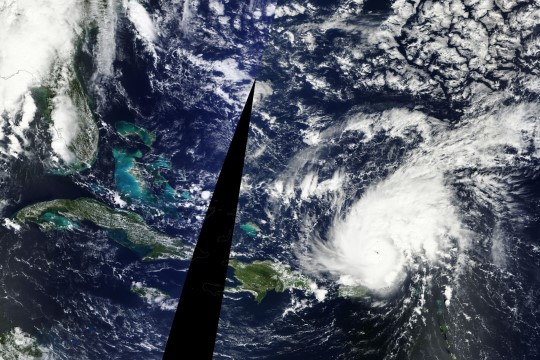 GALERII: Atlandil möllab vägev orkaan Gonzalo