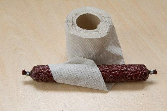 Defitsiit defitsiidis: suitsuvorst tualettpaberis