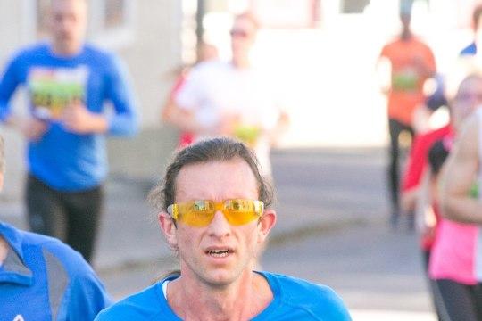 GALERII | PUHAS LIIKUMISRÕÕM: Tartu linnamaratoni 10 kilomeetri jooks ja kepikõnd. Leia ennast ja oma tuttavaid!