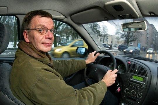 Professor: tõenäoliselt eelistavad inimesed automaksule pigem teemaksu