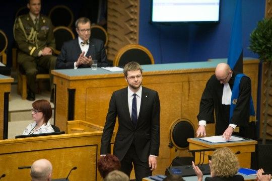 Ossinovski paneb ministriameti maha ja läheb riigikokku