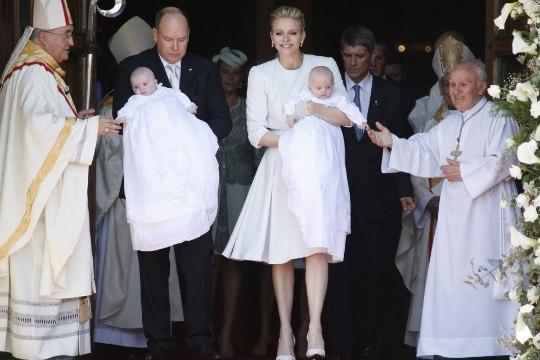 Kaksikud ristitud! Monaco prints ja printsess on nüüd jumala lapsed