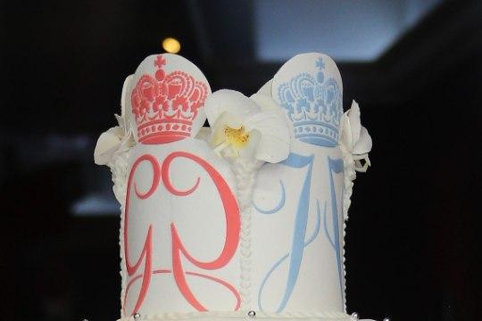 FOTOD | Monaco printsile ja printsessile küpsetati ristimispeoks kuninglik tort!