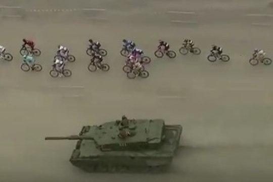 VIDEO | Taaramäe triumfiga lõppenud etapil tervitas rattureid... Tank!