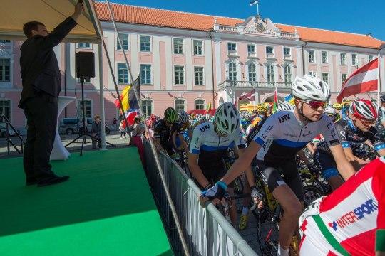 FOTOD | Balti keti velotuur startis Toompealt