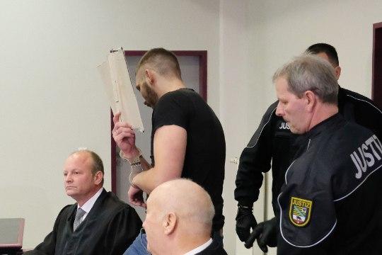 Saksamaal seisab kohtu ees tudengi elajalikult tapnud paar