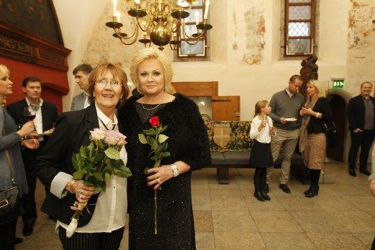 GALERII | Anne Veskist sai tema uue plaadi tõeline roosiaia kuninganna