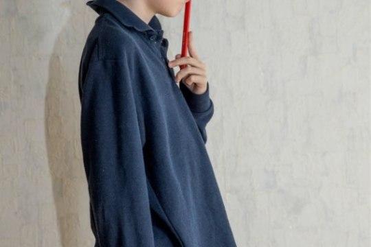 """""""Poeg ütles pesus välja veninud koolivormi pluusi kohta, et tema selle kleidiga kooli ei lähe."""""""