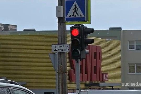 TV3 VIDEO | Uskumatu, aga tõsi! Viljandi noored peletavad igavust tänavavalgustite ja valgusfooride väljalülitamisega