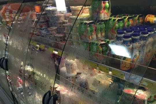 """Kas kaupluste """"higistavate"""" külmkapiuste tõttu võivad tooted rikneda?"""