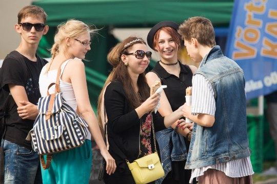 VÄLIMÄÄRAJA: Viljandi folgil komistad kindlasti hipide, fännide ja torisejate otsa