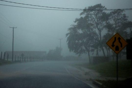 FOTOD | Orkaan Earl ründab Kesk-Ameerikat