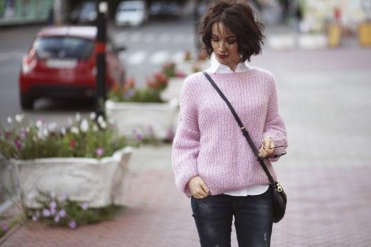 Тренд осени – теплый свитер в стиле over size: 8 стильных примеров