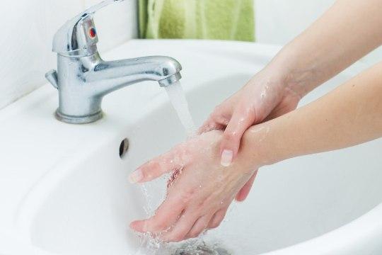 ÕHTULEHE VIDEO | Puust ja punaseks: kuidas pesta käsi, et viirused ei kimbutaks?