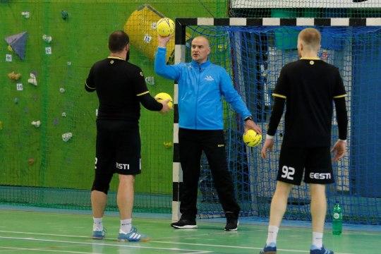 Koondise abitreener Paavo Nelke üle poole aasta taas kogunenud käsipallikoondisest: fiiling saalis oli mõnus