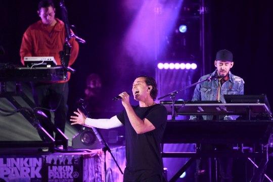 VIDEO   Vaata Linkin Parki laulja Chester Benningtoni mälestuskontserti