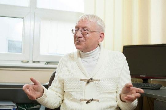 VIDEO | Linnar Priimäel on palju küsimusi: kes otsustas, et ei tohi öelda neeger? Miks meie riik anti vaimselt alaealisele juhtida?